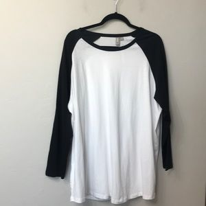 ASOS regular fit top. Black and white. NWT. 20